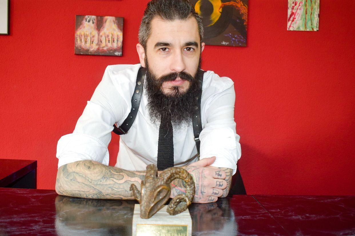 JUAN CARLOS PINÉS DE QUIROGA Y SU «MANO DIESTRA».
