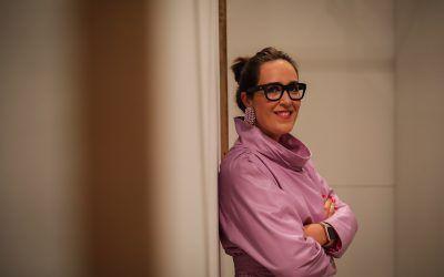 """MARÍA FRANCÉS: """"Quiero que las mujeres se diviertan con la moda y se atrevan a ser diferentes»."""